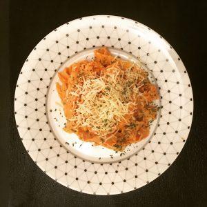 Pâtes à la sauce tomate, citron et coriandre