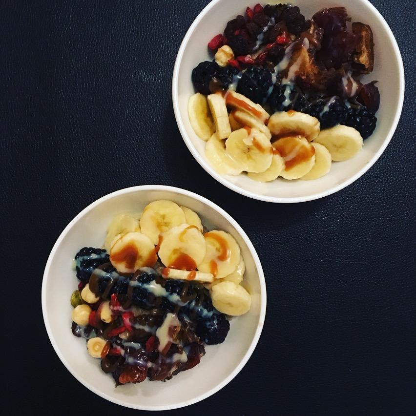 Porridge banane et lait noisettes