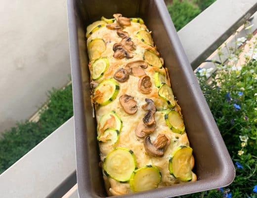 Cake aux courgettes et aux champignons